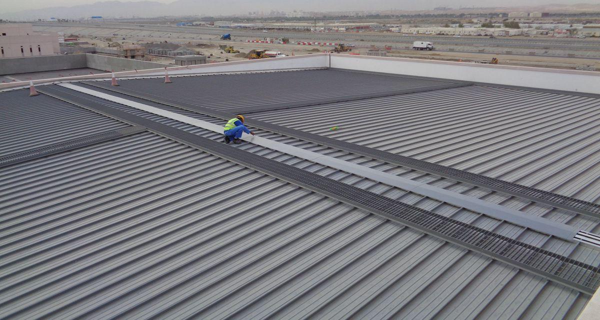 Oman Airport roof walkway