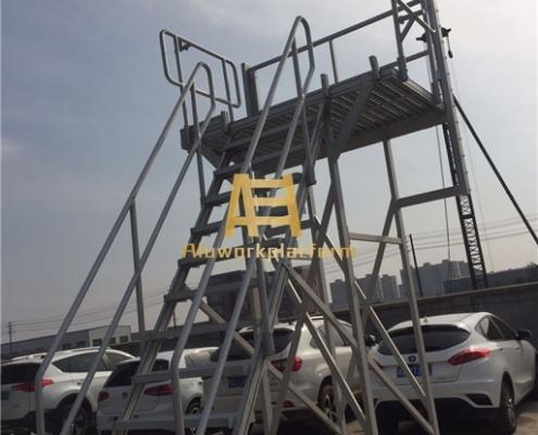 aircraft cleaning platform