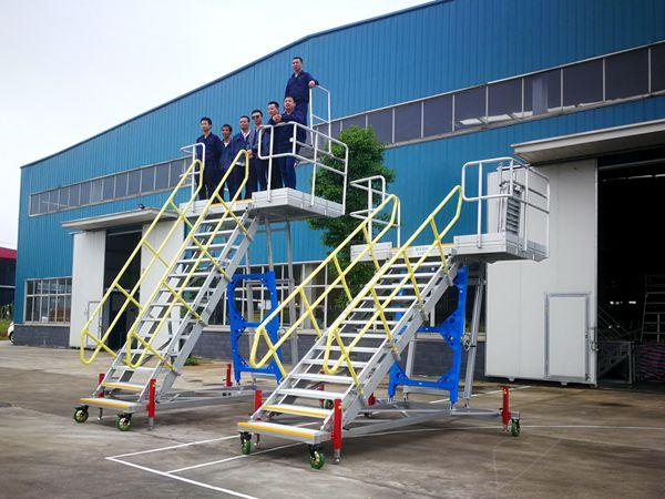 aircraft pax door access platform