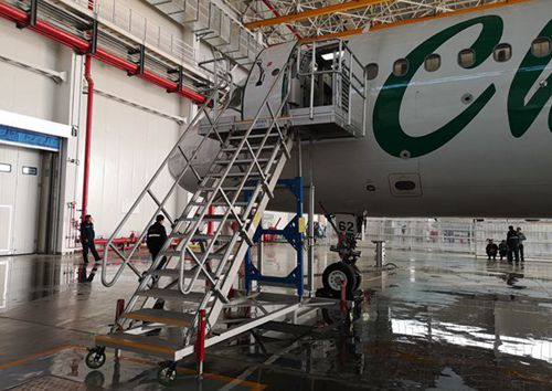 aircraft passenger access stairs
