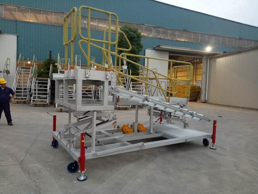 customized folding platform for helicopter maintenance