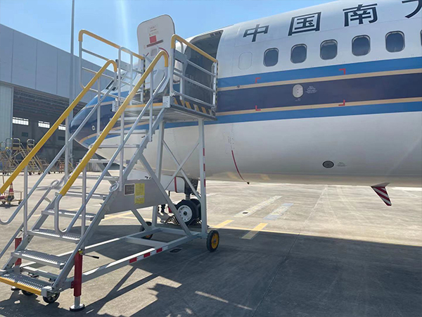 aircraft cabin door access stand
