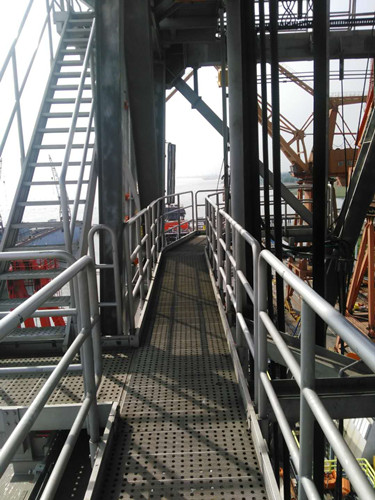 offshore walkway system